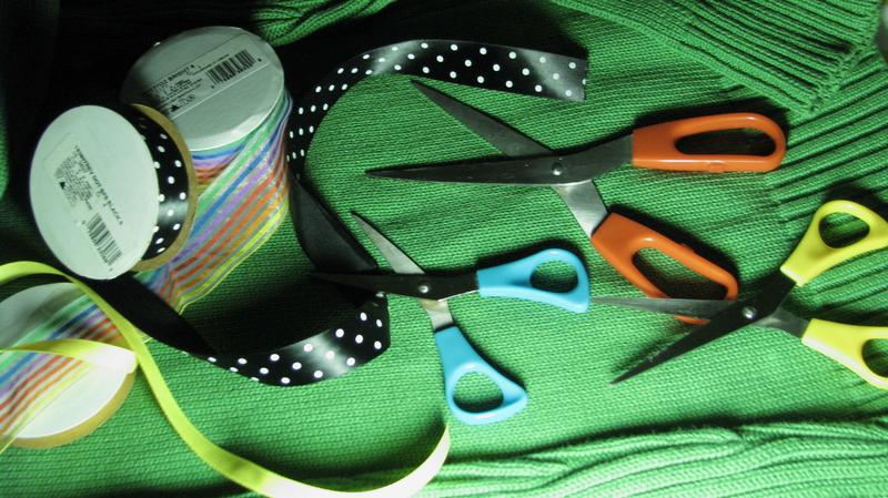 Chromatic scissors
